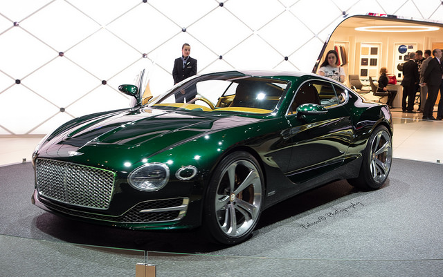 What to Expect from the Sports Car Industry in 2015